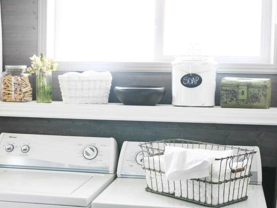 Original_Not-Another-Housewife-dryer-sheet-storage-2.jpg.rend.hgtvcom.966.725
