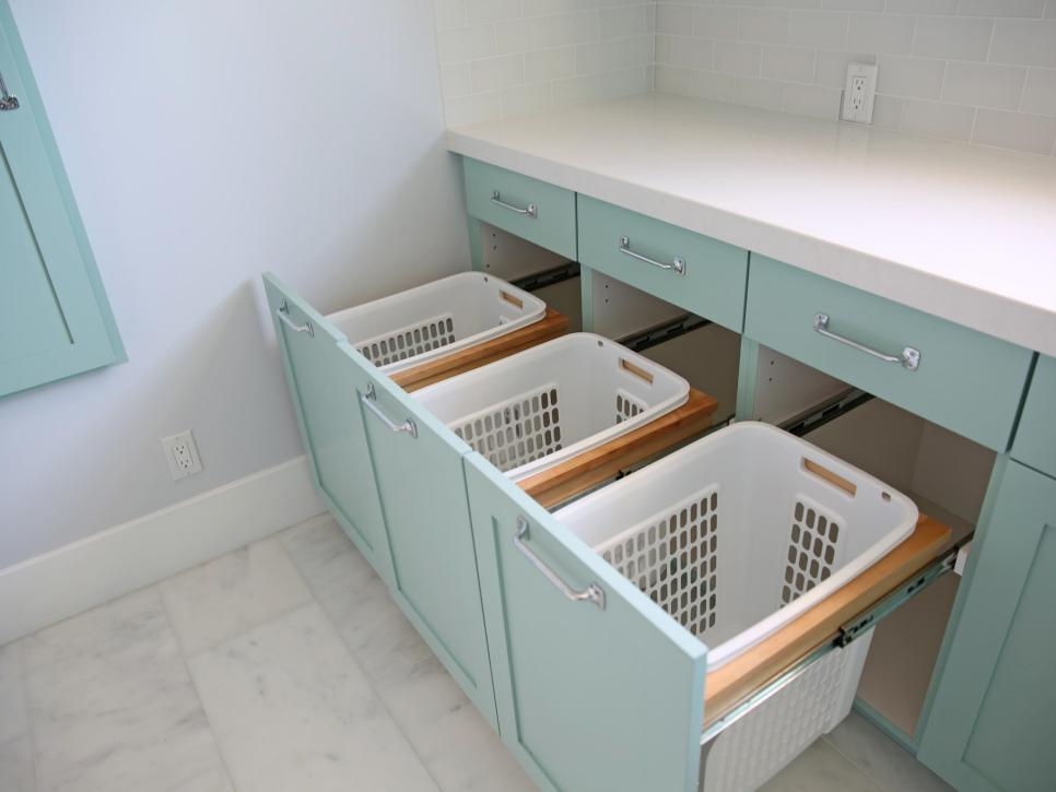 Original_Sunny-Side-Up-laundry-room-bins.jpg.rend.hgtvcom.966.725.jpeg
